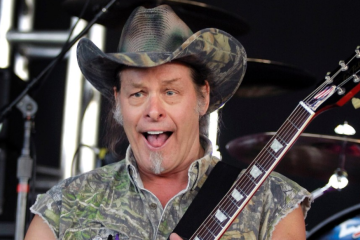 072513-national-ted-nugent-craziest-quotes-performs-2