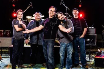 55A02EF0-neal-morse-announces-cd-dvd-live-album-morsefest-2014-testimony-and-one-live-image